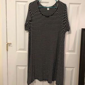 Old Navy black and white tshirt dress A Line